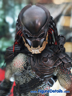 Hot Toys Berserker Predator Action Figure Close Up