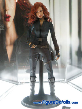 Hot Toys Black Widow Action Figure Overview 4