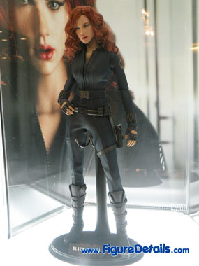 Hot Toys Black Widow Action Figure Overview 5