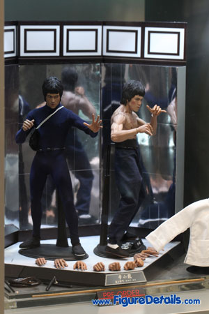 Hot Toys Bruce Lee Action Figure Overview 3