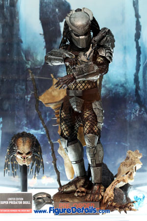 Classic Predator Hot Toys Action Figure