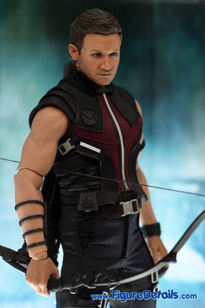 Hot Toys Hawkeye The Avengers Action Figure Overview