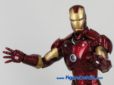 Hot Toys Iron Man Mark 3 Battle Damaged Repulsor Palms 1