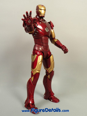 Iron Man Mark 3 Hot Toys Action Figure Reviews 4