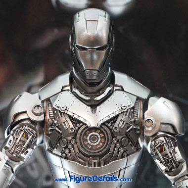 Iron Man Mark II Armor Unleashed Version Hot Toys action figure