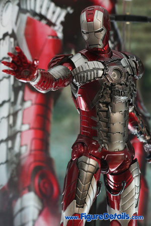 Hot Toys Iron Man Mark V Action Figure Overview