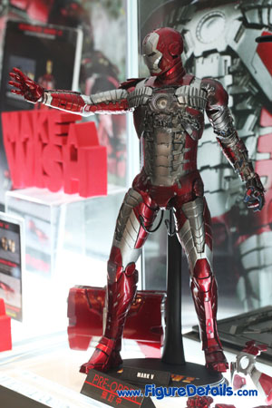 Hot Toys Iron Man Mark V Action Figure Overview 4