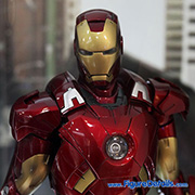 Iron Man Mark VII - Tony Stark - Robert Downey Jr - Avengers - Hot Toys