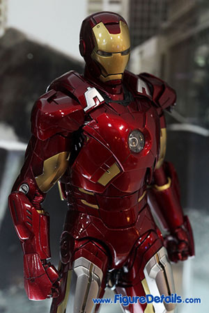Hot Toys Iron Man Mark VII Figure Overview - The Avengers 3