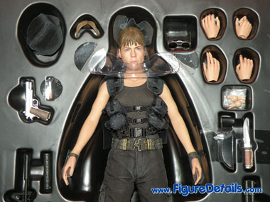 Sarah Connor Hot Toys Terminator 2 Packing 6