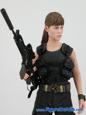 Hot Toys Sarah Connor T2 Action Figure Overview 2