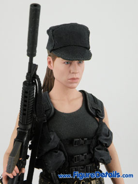 Hot Toys Sarah Connor T2 Action Figure Overview 3
