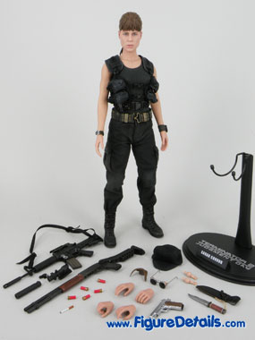 Hot Toys Sarah Connor T2 Action Figure Overview 4
