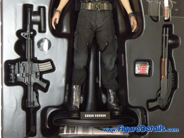 Terminator 2 Sarah Connor Hot Toys Packing 7