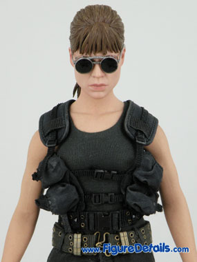 Terminator 2 Sarah Connor Hot Toys Reviews 12