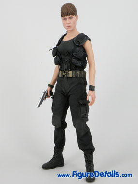 Terminator 2 Hot Toys Sarah Connor Reviews 7