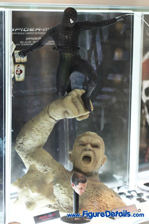 Hot Toys Black Spider Man with Sandman Diorama Base 2