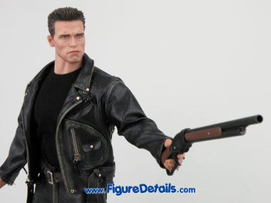 Hot Toys T800 Terminator 2 Close Up 5