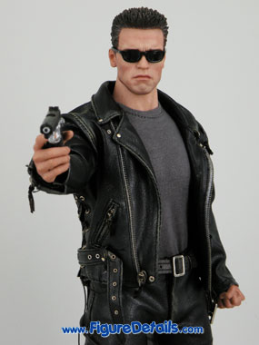 Hot Toys T800 Arnold Schwarzenegger reviews 13