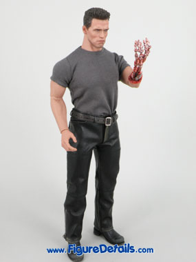 Hot Toys T800 Arnold Schwarzenegger Terminator 2 reviews 17