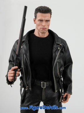 T800 Hot Toys Arnold Schwarzenegger reviews 4