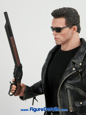 Hot Toys T800 Arnold Schwarzenegger reviews 6