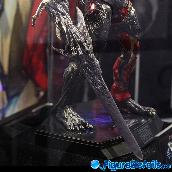 Hot Toys Venomized Iron Man Prototype Preview 12