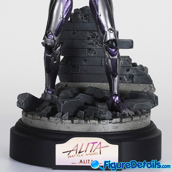 Hot Toys Alita with Heart and Stand is reviewed - Alita Battle Angel - mms520 5