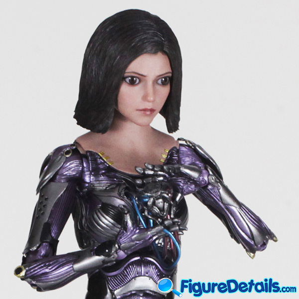 Hot Toys Alita with Heart and Stand is reviewed - Alita Battle Angel - mms520 7