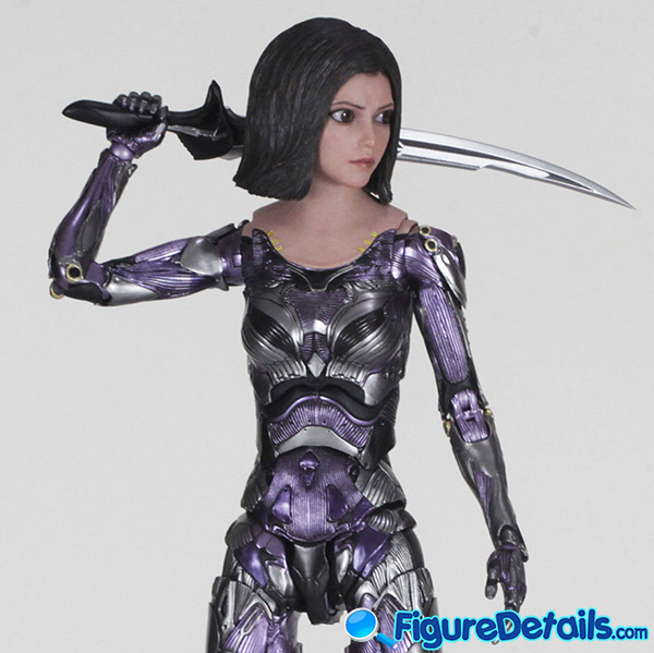 Hot Toys Alita with Blade Review - Alita Battle Angel - mms520 6