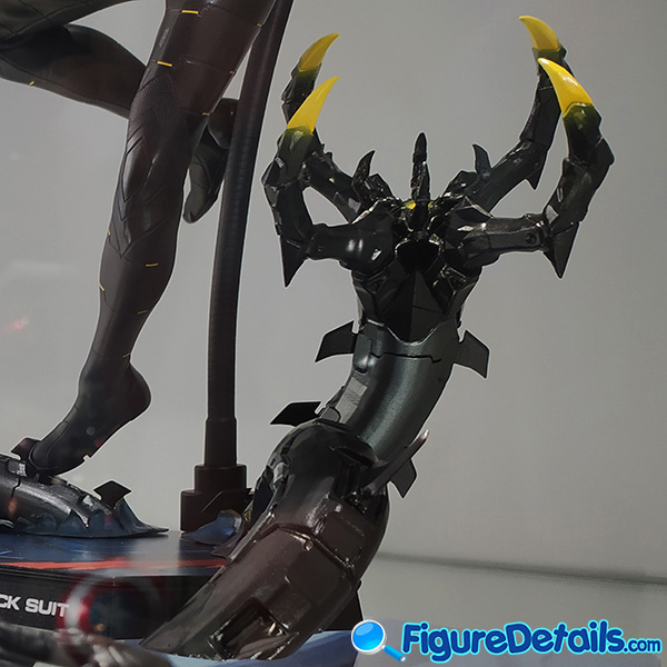 Hot Toys Spiderman Anti Ock Suit deluxe version accessary - battle damaged Dr. Ock's mechanical tentacles 3