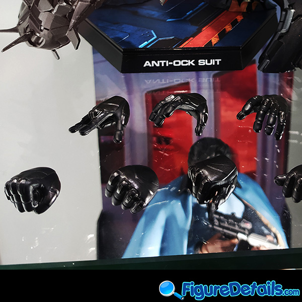 Hot Toys Spiderman Anti Ock Suit deluxe version accessary - battle damaged Dr. Ock's mechanical tentacles 5
